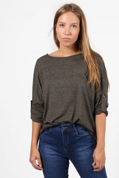 Γυναικεία μακρυμάνικη μπλούζα με κουμπάκια στα μανίκια. Άνετη εφαρμογή, σε λαδί χρώμα.