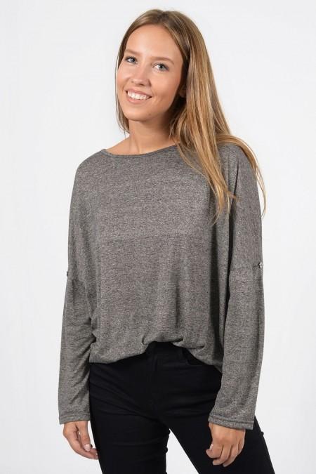 Γυναικεία μακρυμάνικη μπλούζα με κουμπάκια στα μανίκια. Άνετη εφαρμογή, σε γκρι χρώμα.