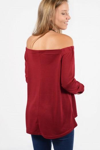Γυναικεία μπλούζα σε φαρδιά γραμμή, με μακριά μανίκια.Σε σκούρο κόκκινο χρώμα.