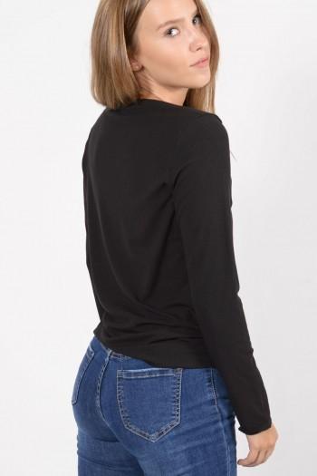 Γυναικεία μακρυμάνικη ριπ μπλούζα με διπλωμένο λαιμό χαμόγελο σε μαύρο χρώμα.