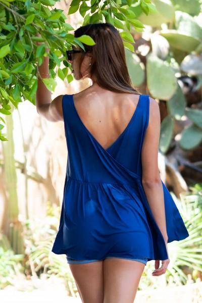 Γυναικείο Αμάνικο τοπ με φαρδιά εφαρμογή και κρουαζέ σχέδιο με σούρες στην πλάτη. Χρώμα Μπλε